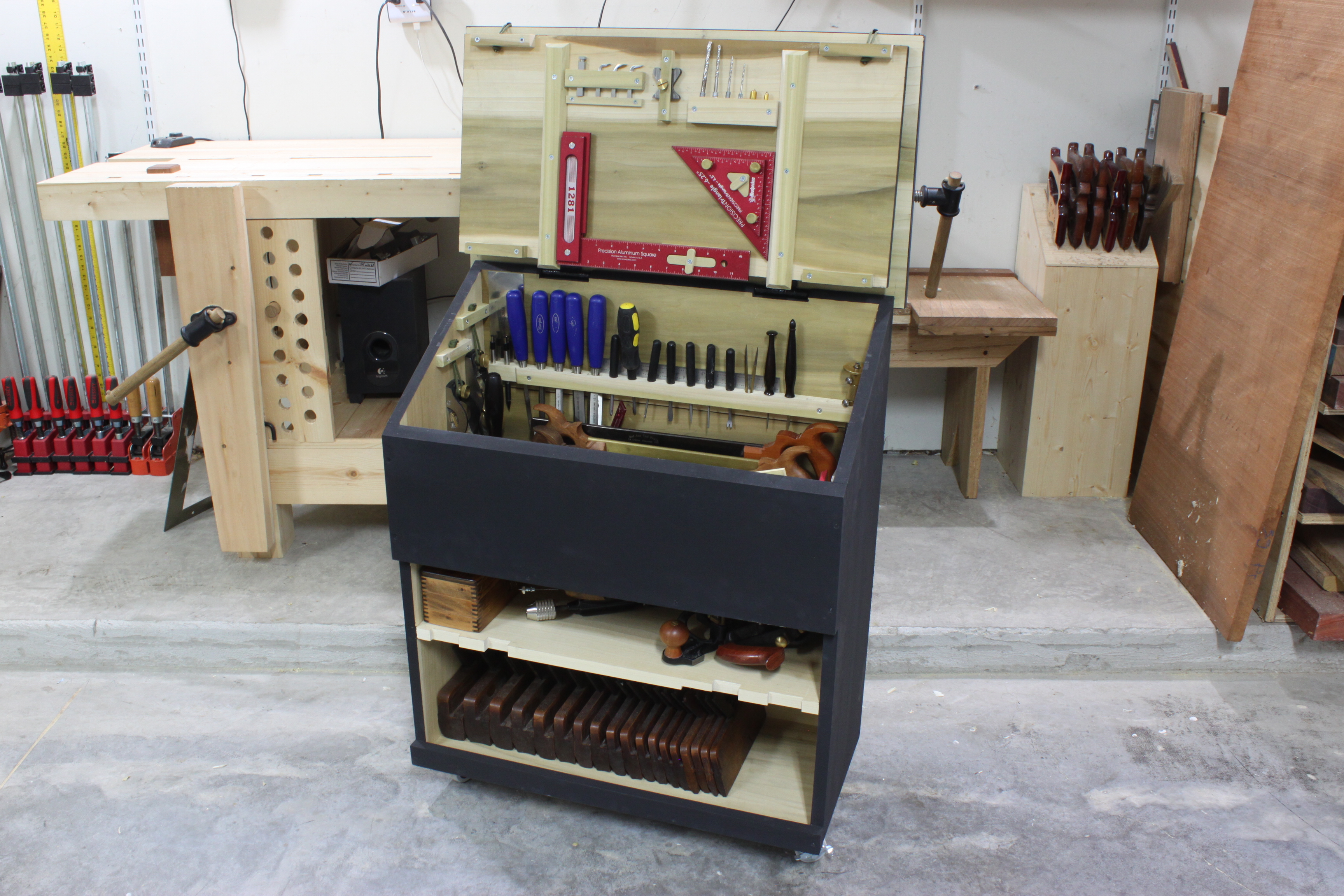Killer Ideas To Organize Your Workshop Now also 506443920567936572 also Dutch Tool Chest likewise Diy together with Ideas To Inspire Your New Basement Workshop. on woodworking workshop layout