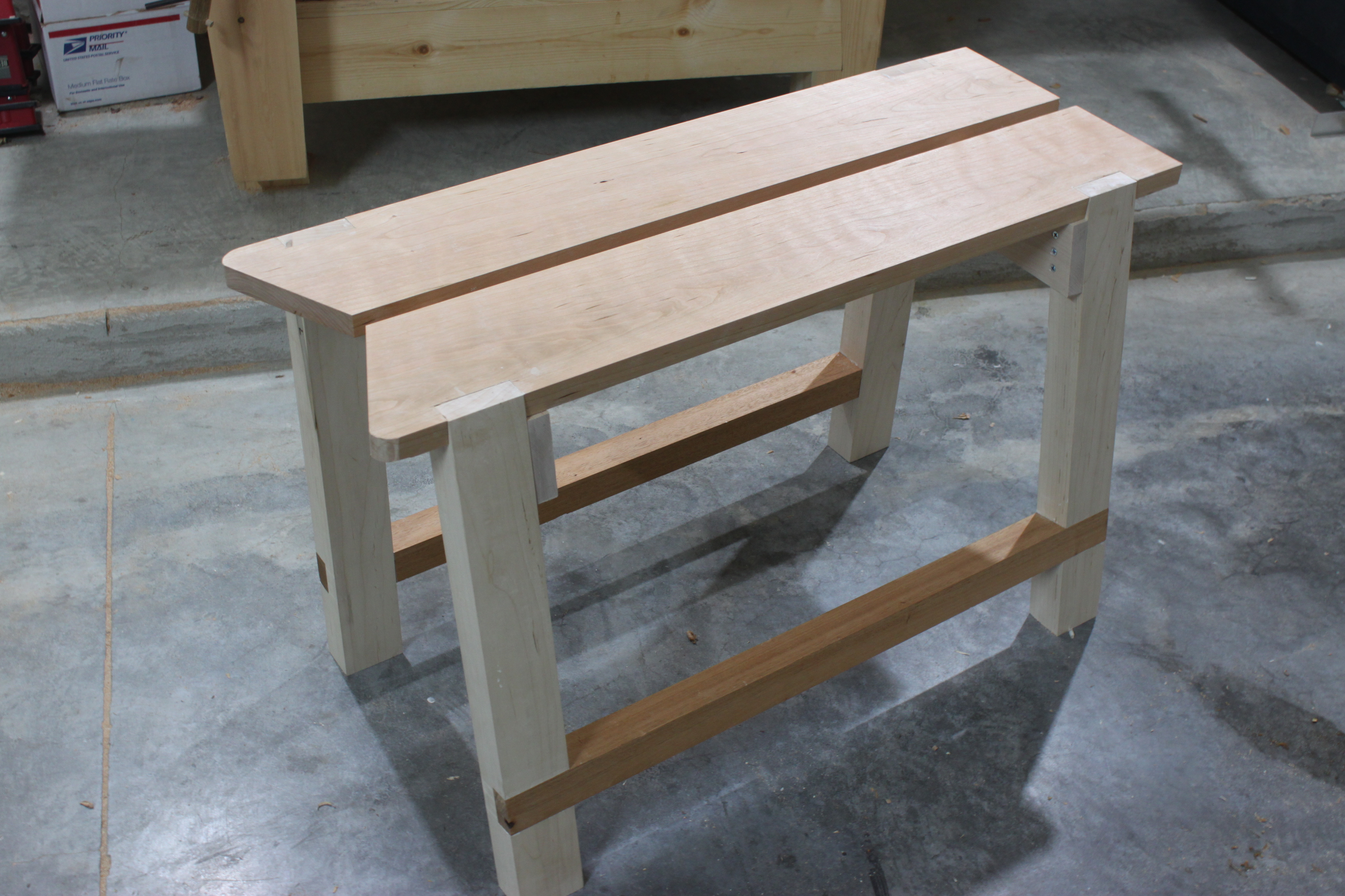 Saw bench the fameless woodworker for Table saw workbench woodworking plans